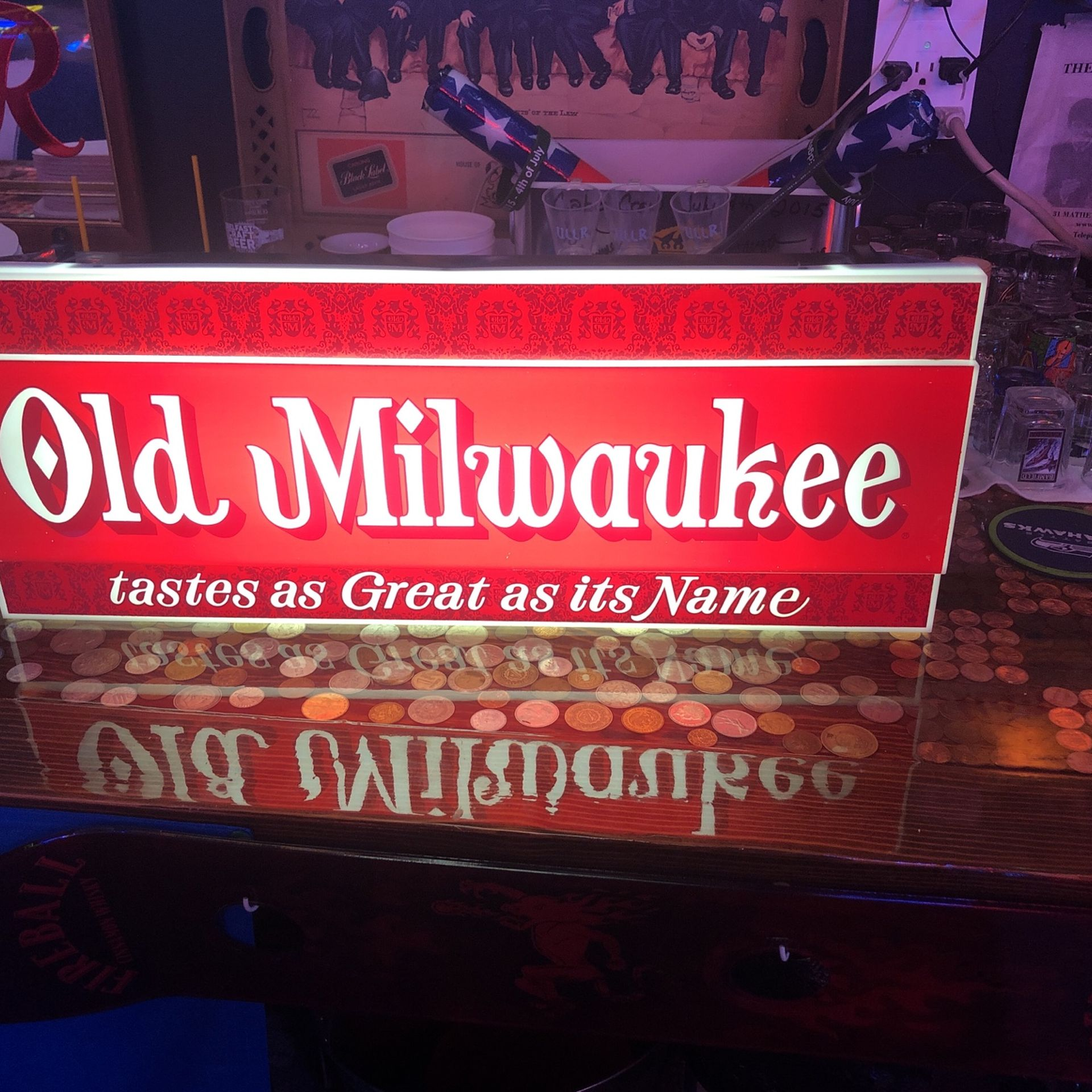 Old Milwaukee Beer Light / Sign