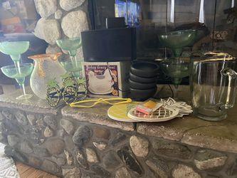 Bluetooth Speaker ' 6 Margaritas Cup '2 Jars' 4 Molcajete Bowls Thumbnail