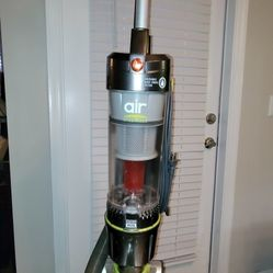 Hoover Air Steerable Upright Vacuum Cleaner w/ Filter with HEPA Media Thumbnail