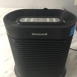 Air Filter - Room -Honeywell HPA 100 True HEPA Allergen Remover Thumbnail