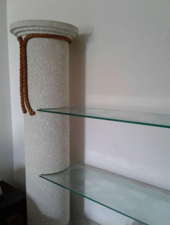 Pillar Stand