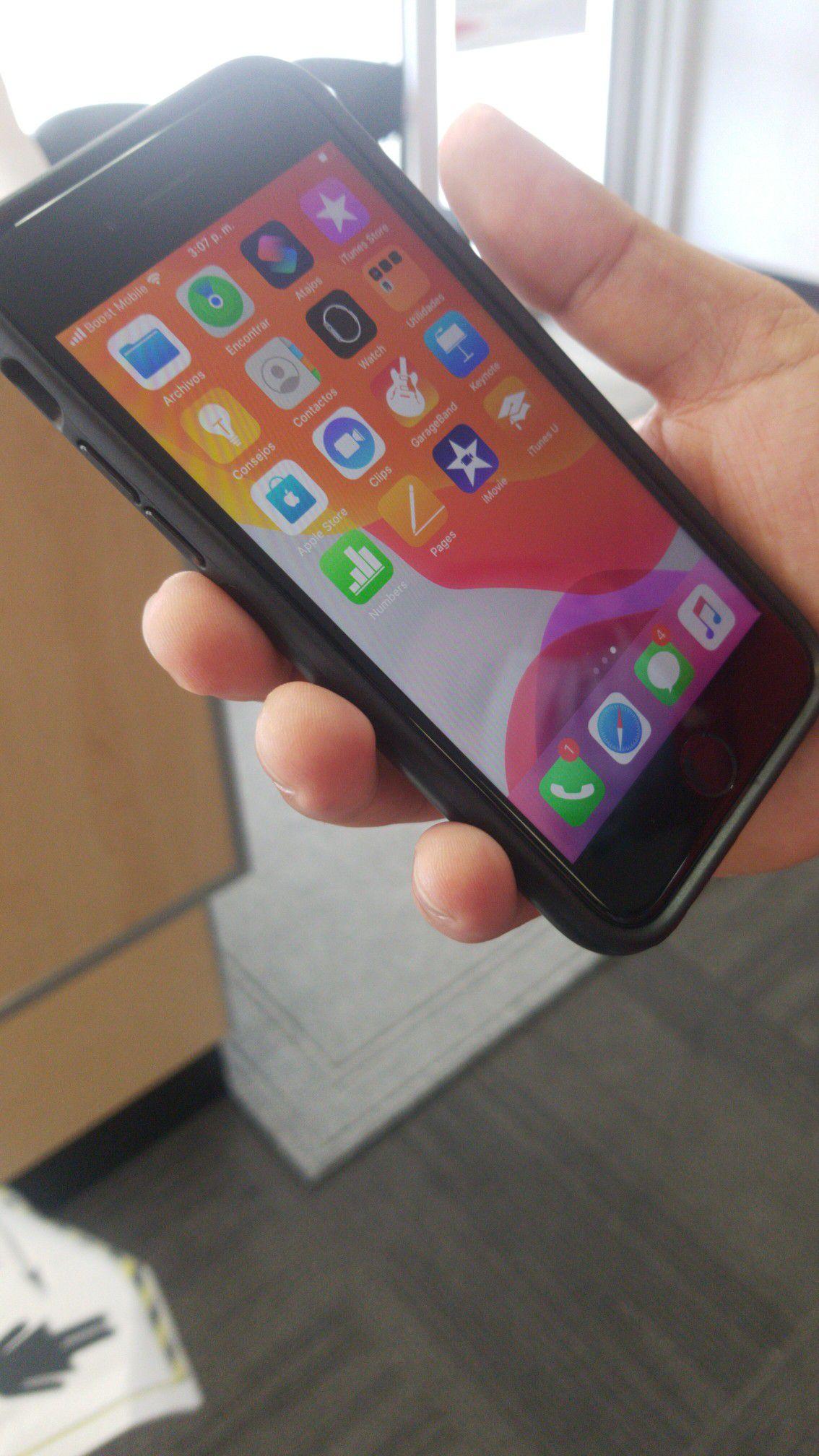 Ven ya a 3960east 4th ave hialeah y llévate un increíble iphone 7solo por$50