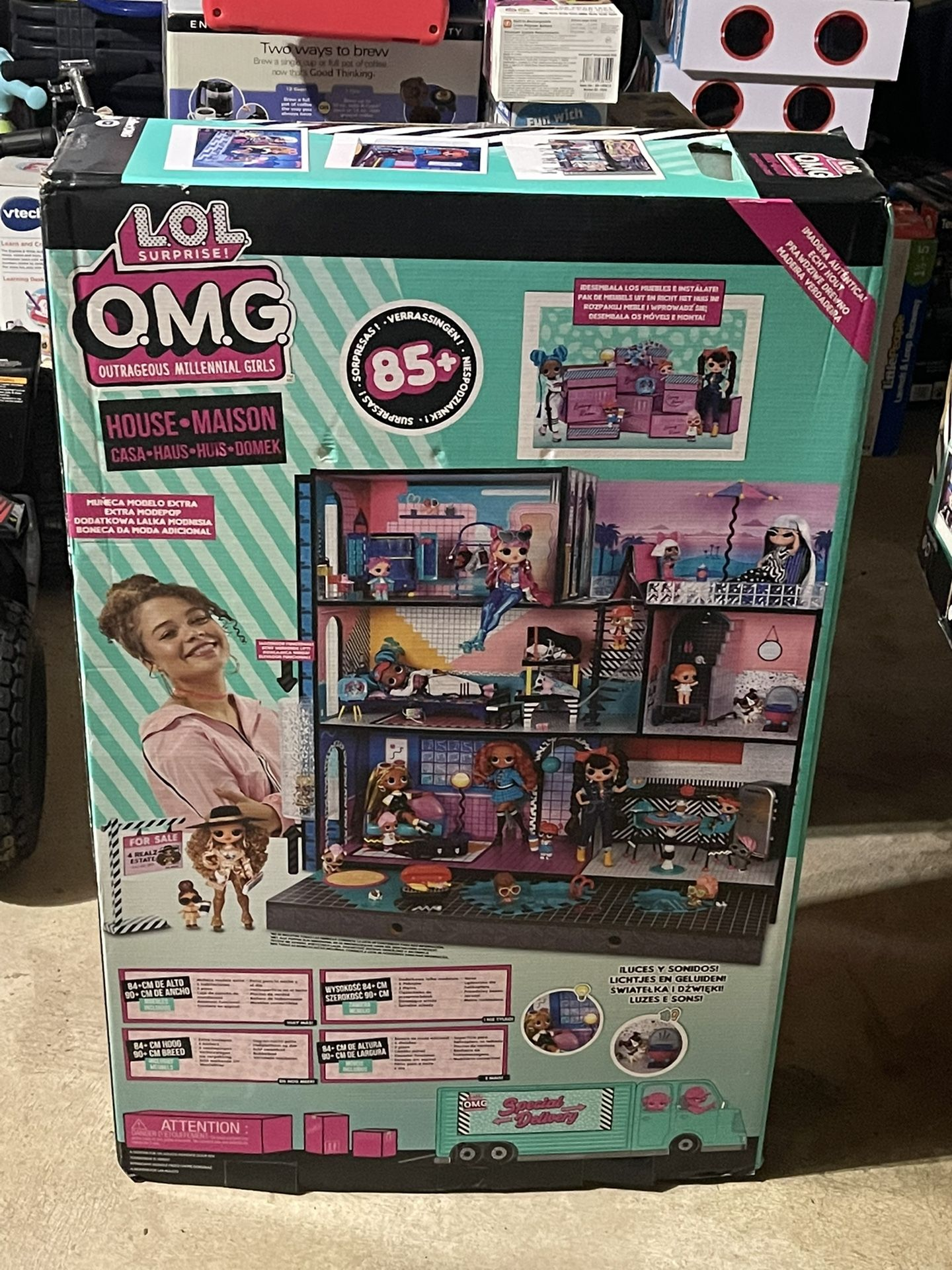 LOL OMG Surprise Doll House ( Brand New)