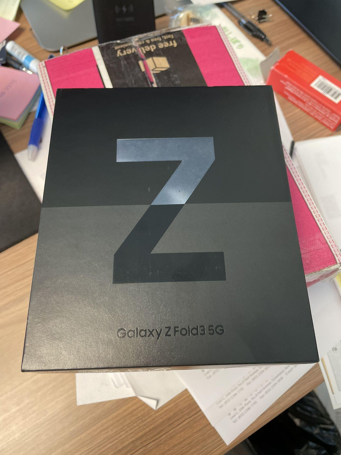 Samsung Galaxy Z Fold 3 Unlocked 512 GB