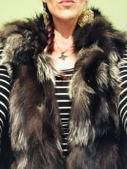 Winter Is Coming! $200 Obo Overland Fur Hoodie Vest Black/Silver Womans M Thumbnail