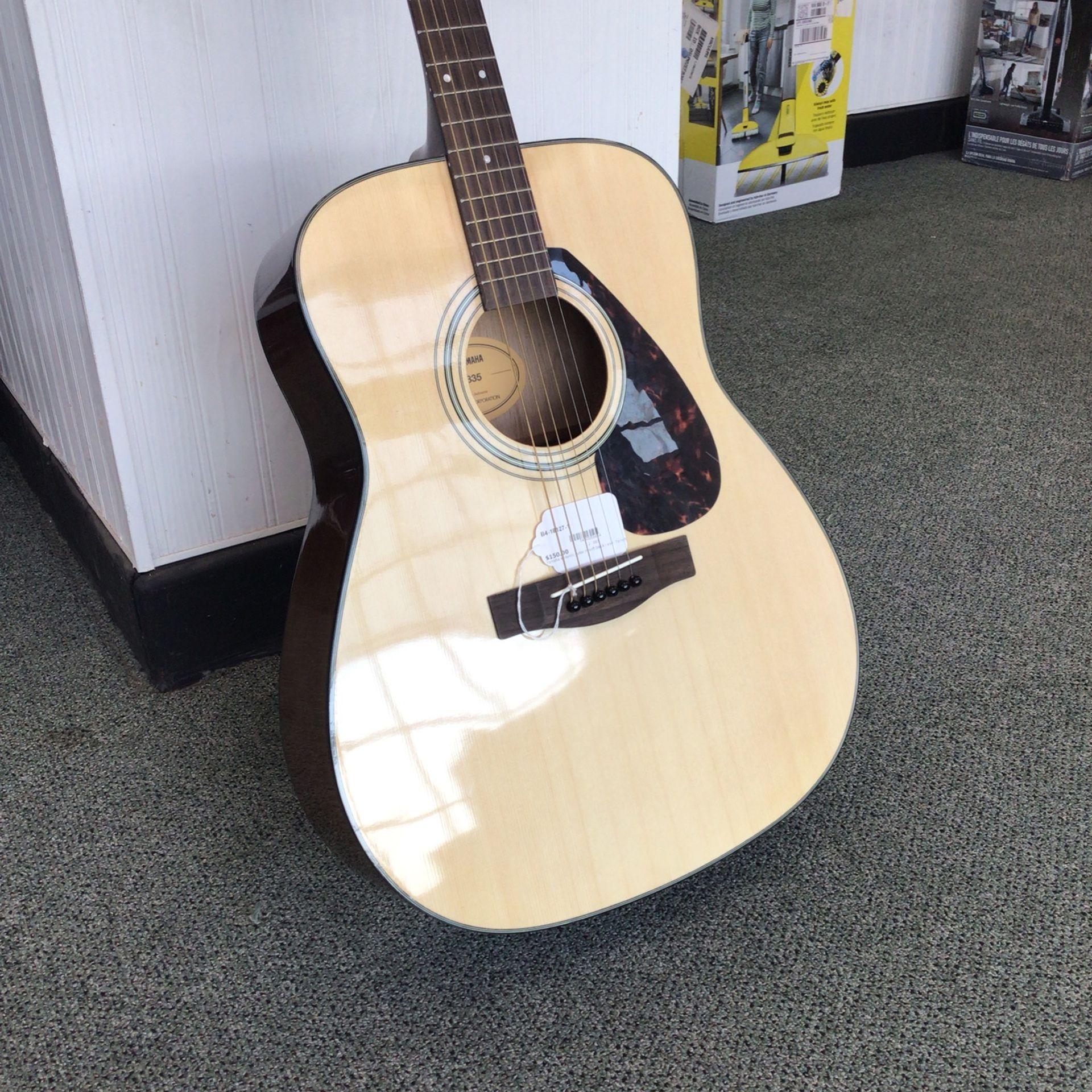Yamaha F335 Acoustic Guitar With Gig Bag!