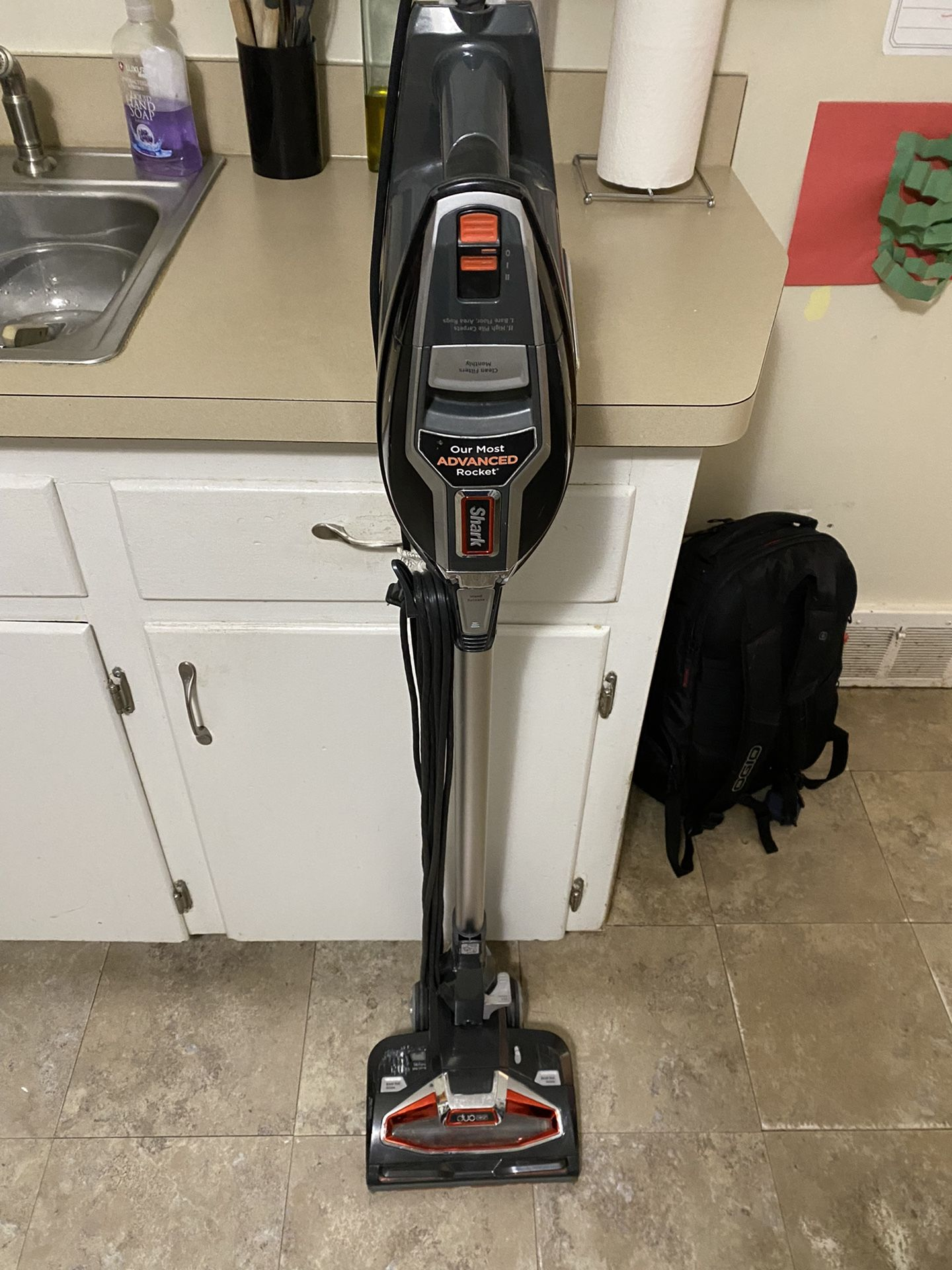 Shark HV382 Rocket DuoClean Ultra-Light Corded (Non-Cordless) Bagless Carpet and Hard Floor with Han