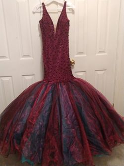 BEAUTIFUL Prom Dress Thumbnail