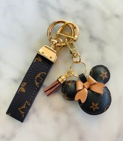 Luxury Keychain with Gold color metal Thumbnail