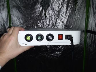 Bloomsbeast Indoor Grow Light 900 Watt ,veg Mode And Flower Mode Many Different Kids Of Lights Suited For Growing Paid $400 Asking $200 Branx New Pra Thumbnail