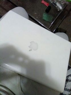 Macbook perfect condition Thumbnail