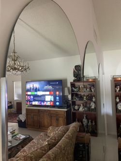 3 Set of Mirrors Oval shaped Already removed from the wall asking $380. All Obo today Thumbnail