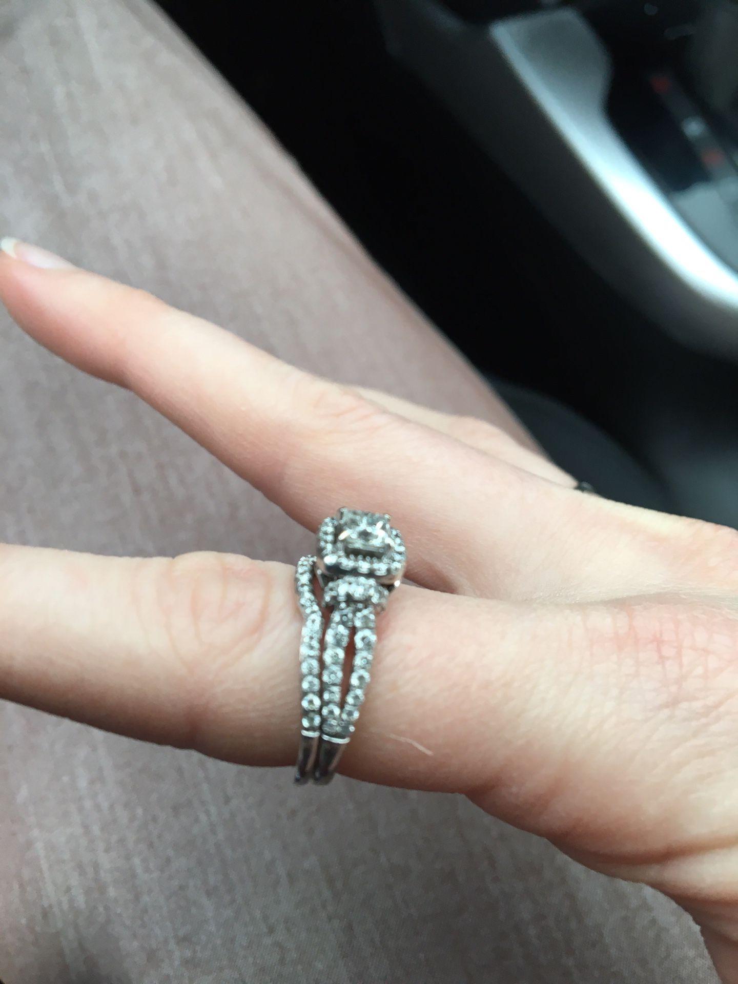 Engagement ring with wedding band- diamond