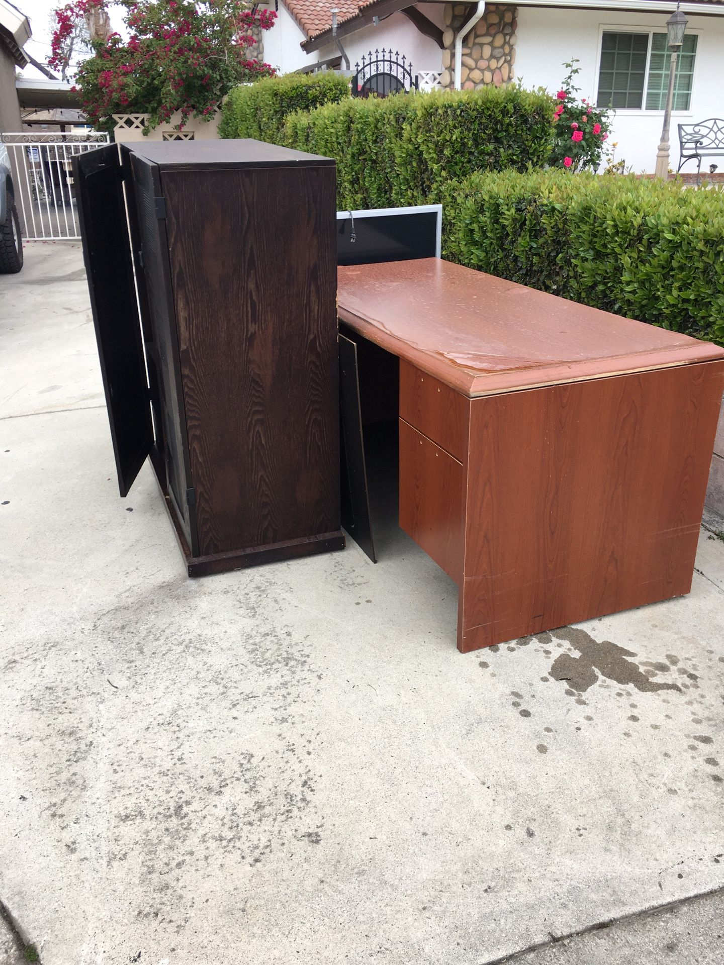 Free- The dresser is gone!!