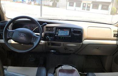 2005 Ford Excursion Thumbnail