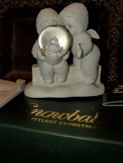 Figura de porcelana de snowbabies nueva en su caja mide 4.5 de alto Thumbnail