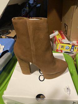 Women boots Thumbnail