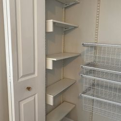 Closet System For Sale  Thumbnail