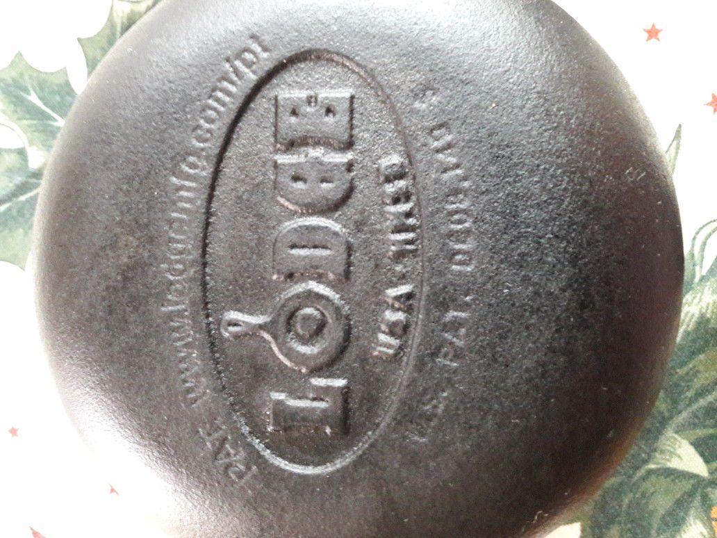 Cast iron pan set.