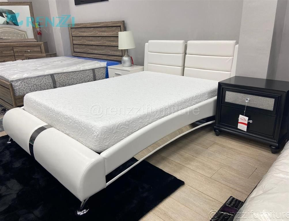 *-@-* Queen Bed --- Financing Available