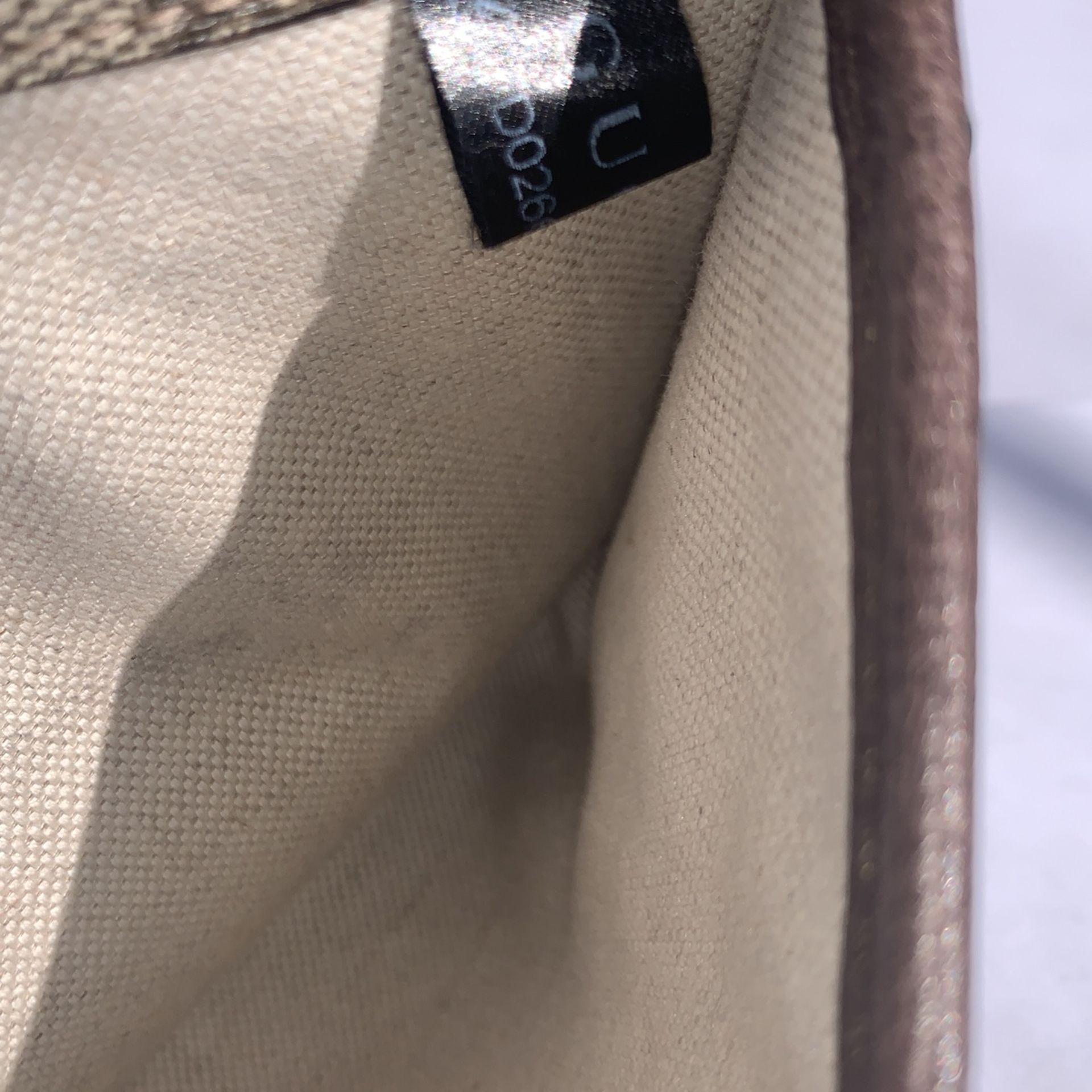 Gucci Women's Cross Bag Purse
