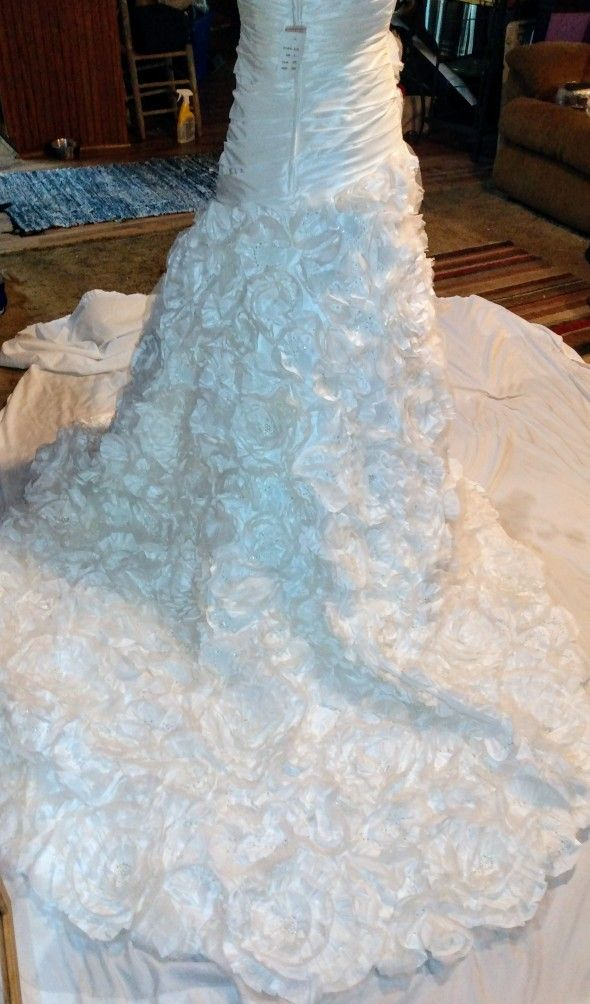 Galina Signature  Bridal Dress Size 2