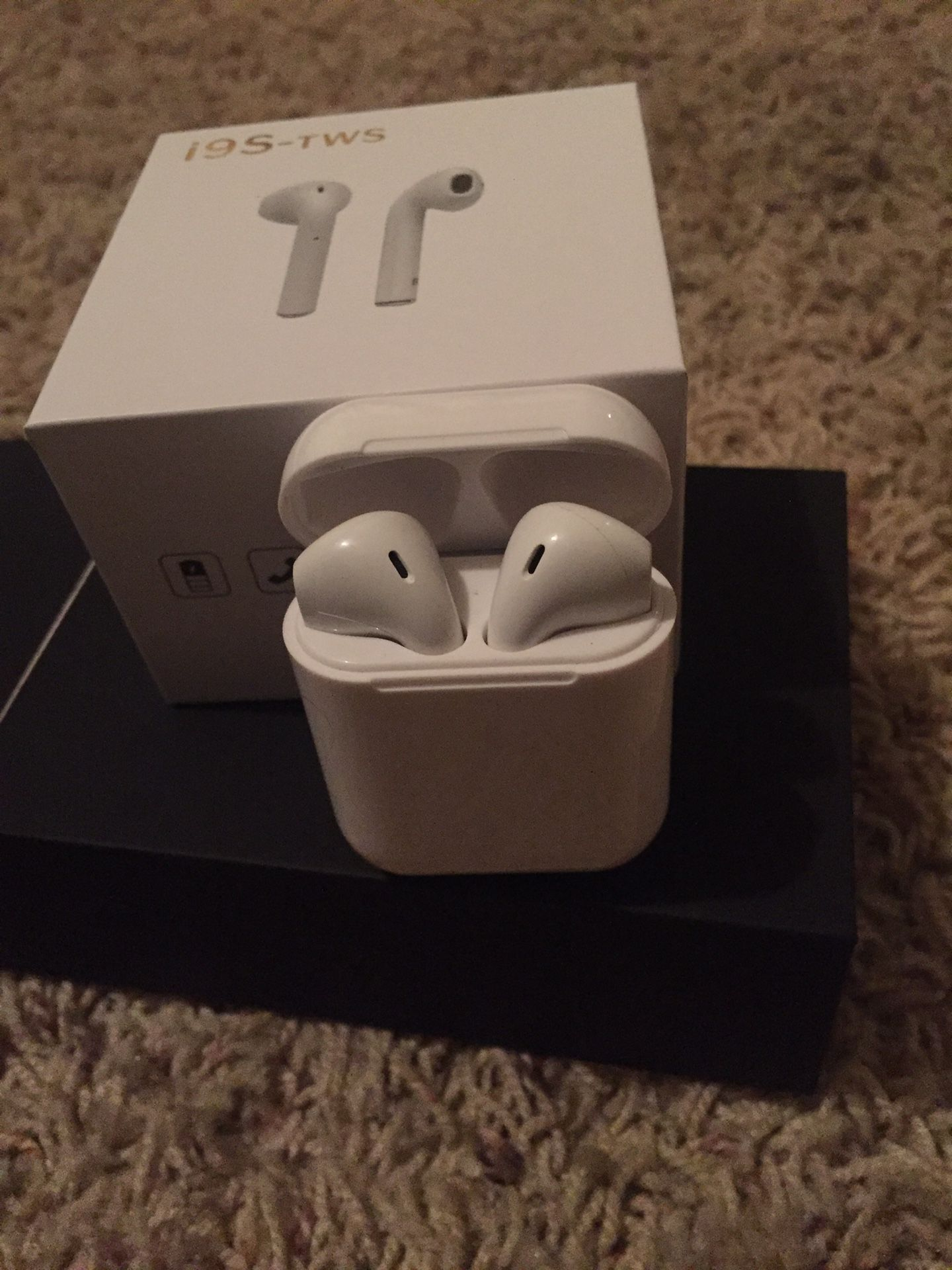 Bluetooth Earbuds / Audífonos Inalámbricos .