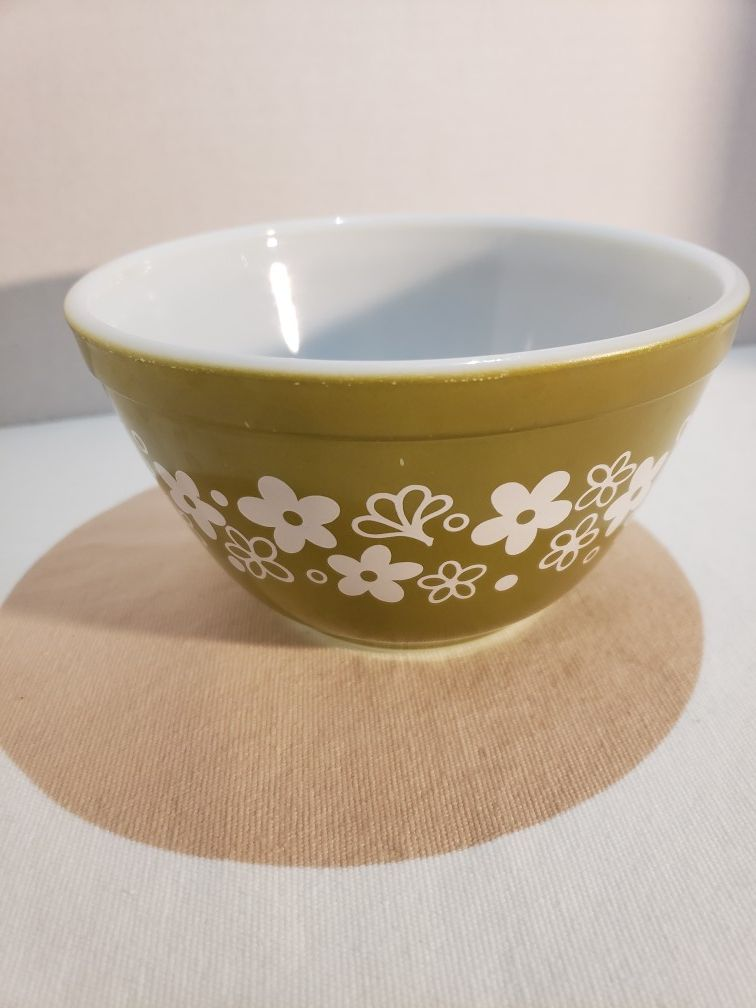 Pyrex 401 Spring Blossom Green Bowl