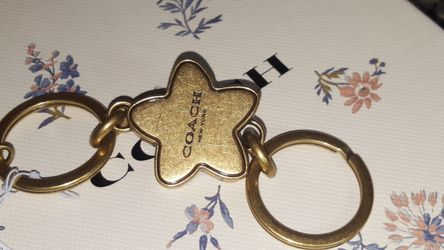 COACH Valet Keychain Handbag Turnlock WildFlower Charm NWT Thumbnail