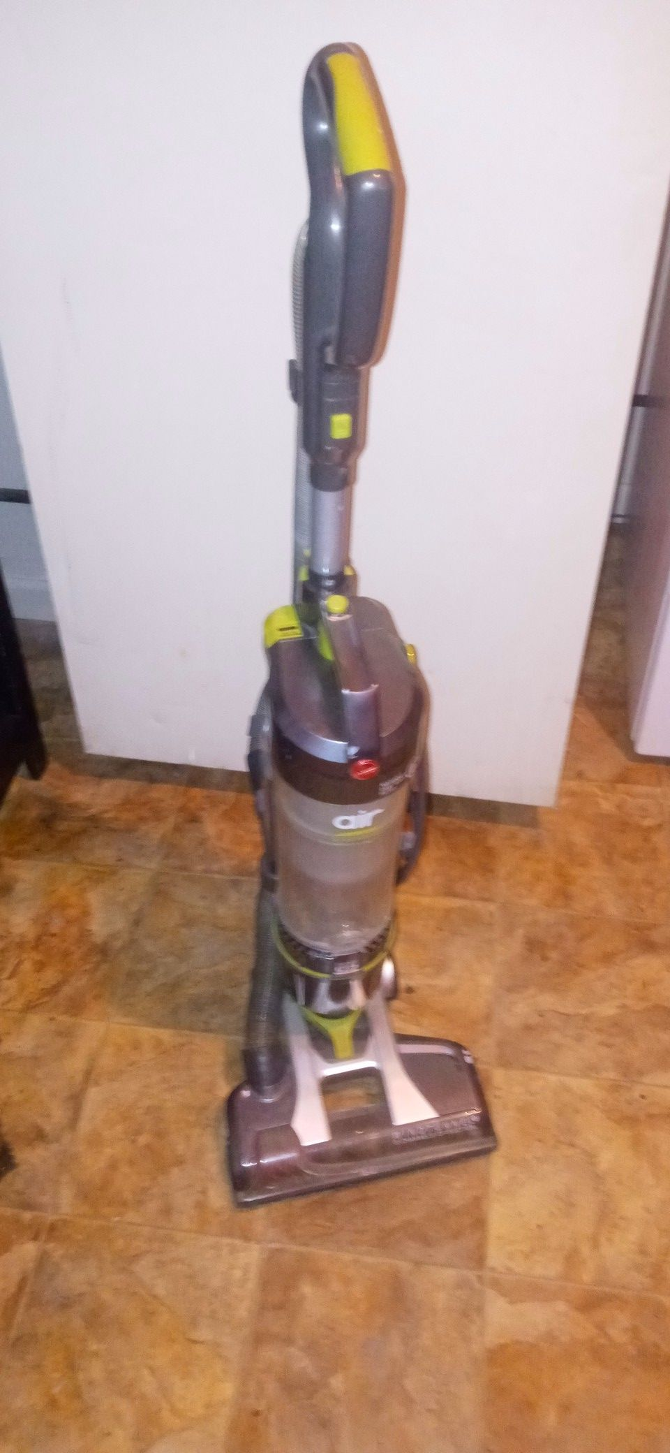 Hoover air steerable vacuum