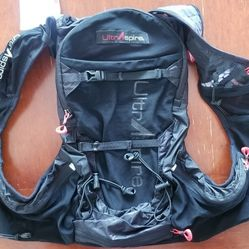 Ultraspire Zygos 4.0 Hydration Backpack Pack for Runners, Backpackers, Bicyclists, Climbers, Hikers Thumbnail