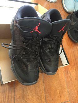 Air Jordan 11 retro mid Thumbnail