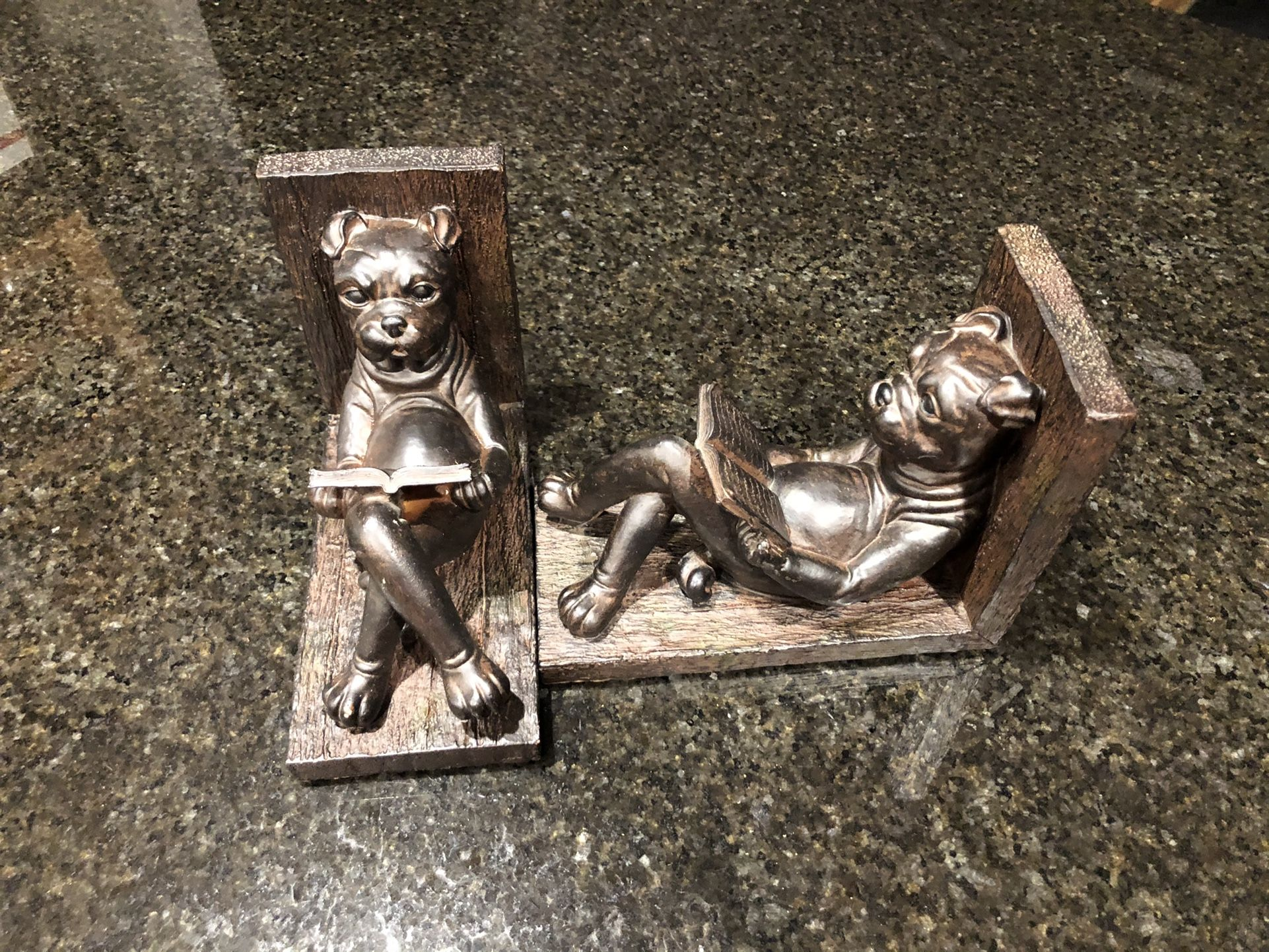 🐶 Dog Themed Bookends