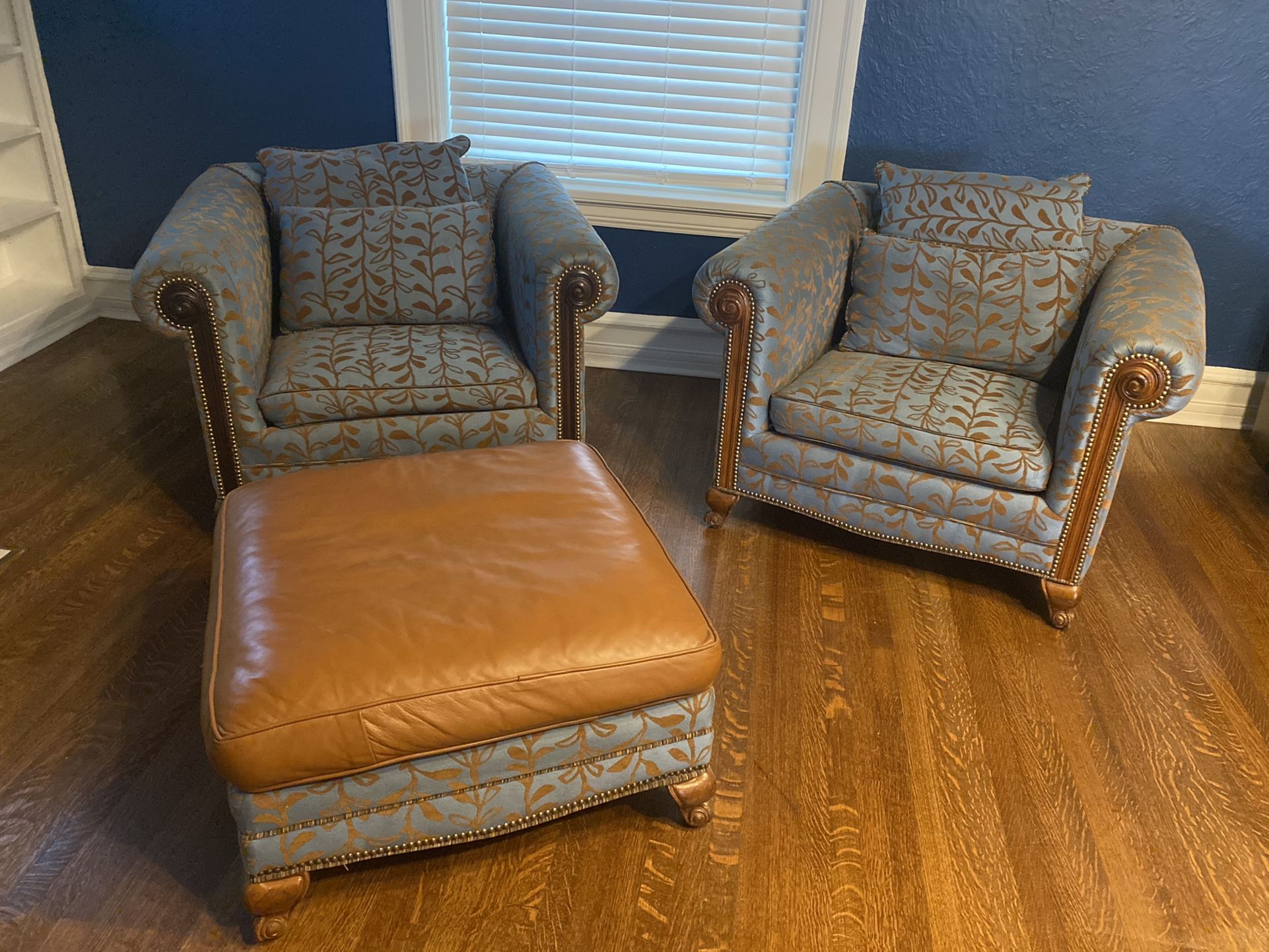 Upholstered Sofa Chairs/Arm Chairs And Ottoman
