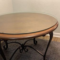 Large Iron Table With 4 Chairs Thumbnail