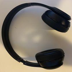 Beats Solo 3 Headphones Thumbnail