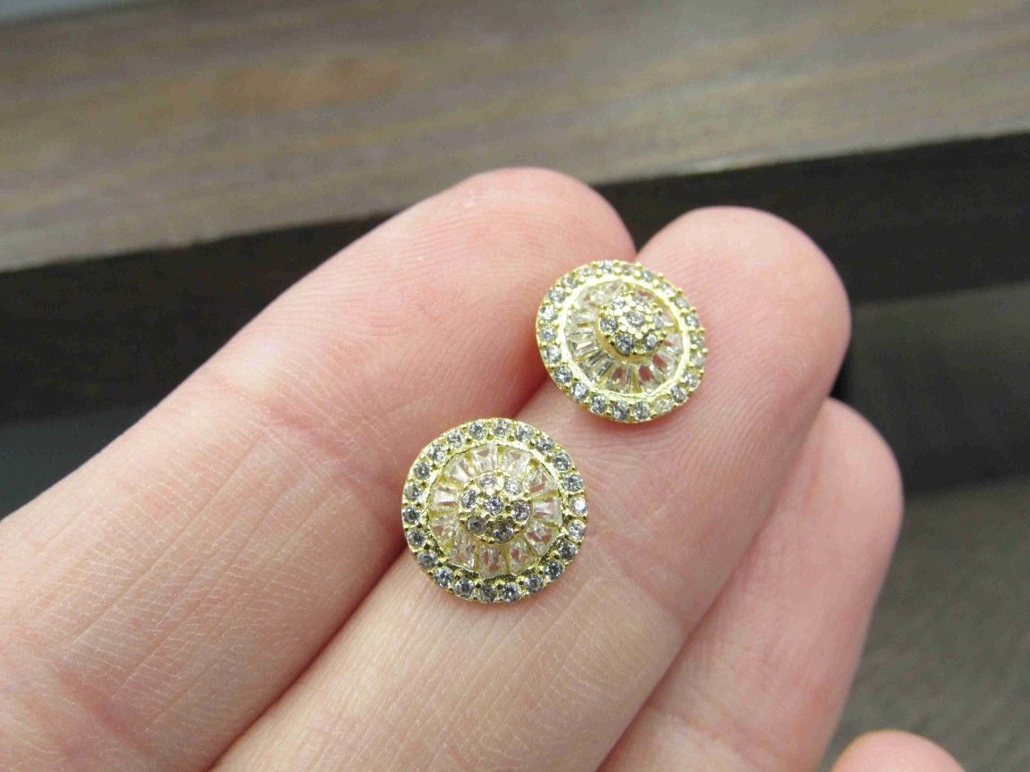 Sterling Silver Gold Plated Round Design CZ Stud Earrings Vintage Wedding Engagement Anniversary Beautiful Everyday Minimalist Cute Sexy