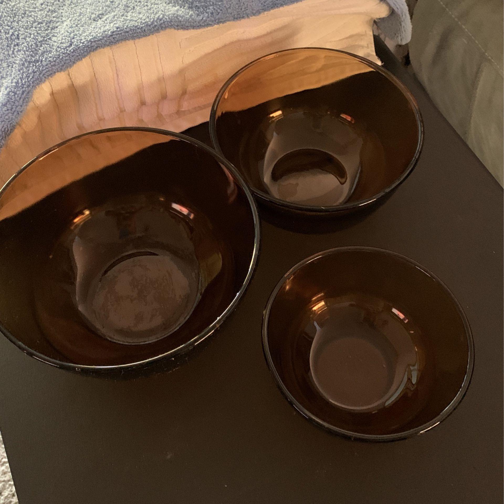 Pyrex Bowls