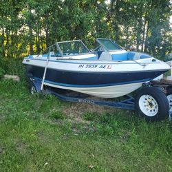 Fourwinns Speed Boat Ran Last Summer Don't Know The Problem Come Pick It Up Comes With Trailer An Cover Clean Title In Hand $1000 Obo Thumbnail