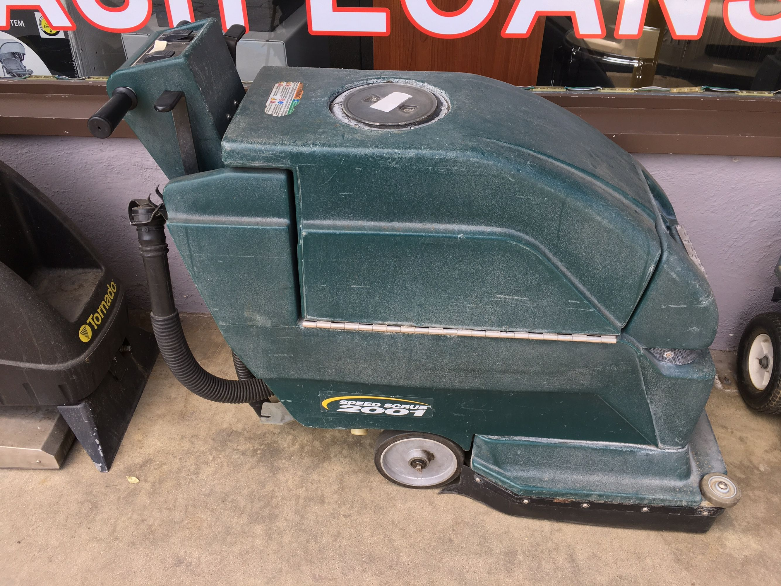 """CARPET CLEANER SPEED SCRUB 2001 20"""" DISK WITH SCRUBBER AND TOP LID"""