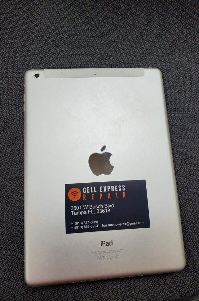 Ipad air 1 Five Generation Unlocked Like New Condition  With 30 Days 3
