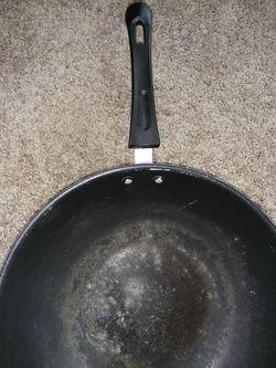 2 used ikea frying pans Thumbnail