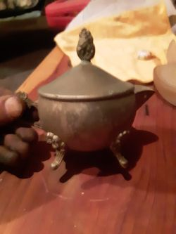 Old vintage indian brass 5 inch genie lamps and candle holder and pot Thumbnail