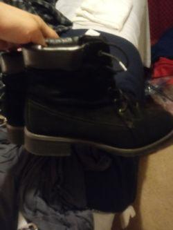 Boots for sale...BLACK Thumbnail