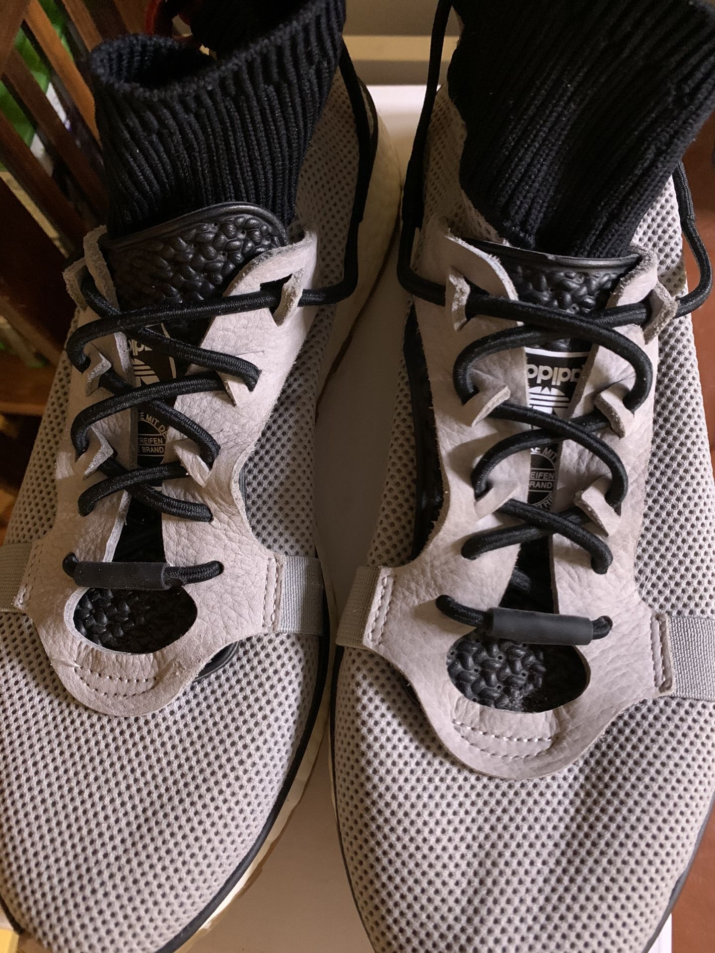 Adidas x AW Run (Size 8.5)