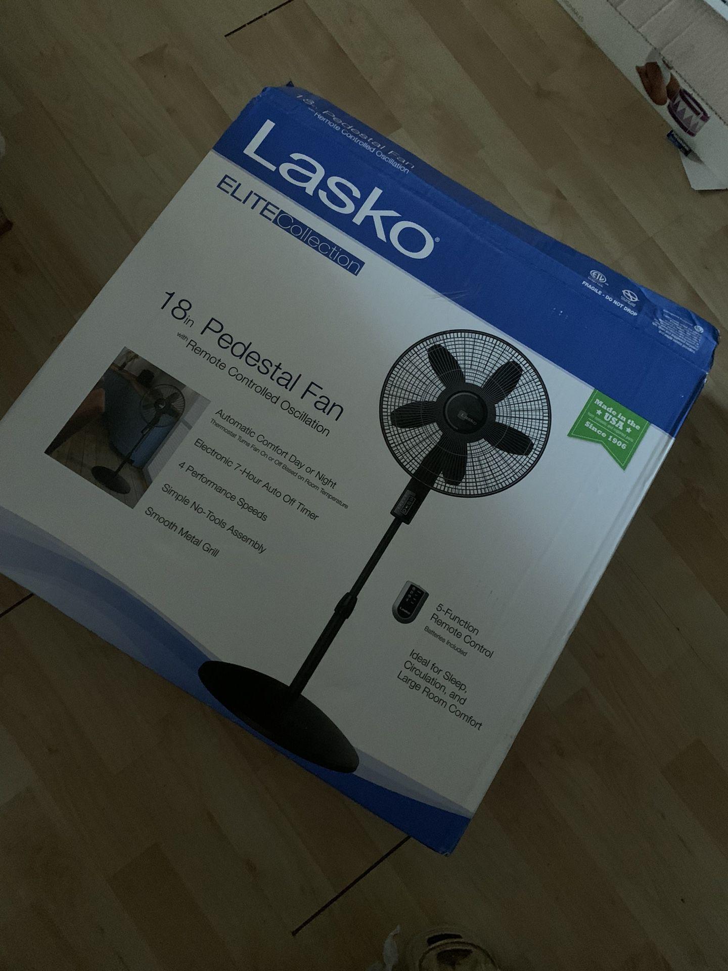 """Lasko """" 18"""" pedestal fan"""