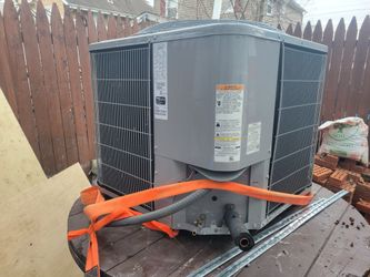 carrier 3Ton fan coil and condenser Thumbnail