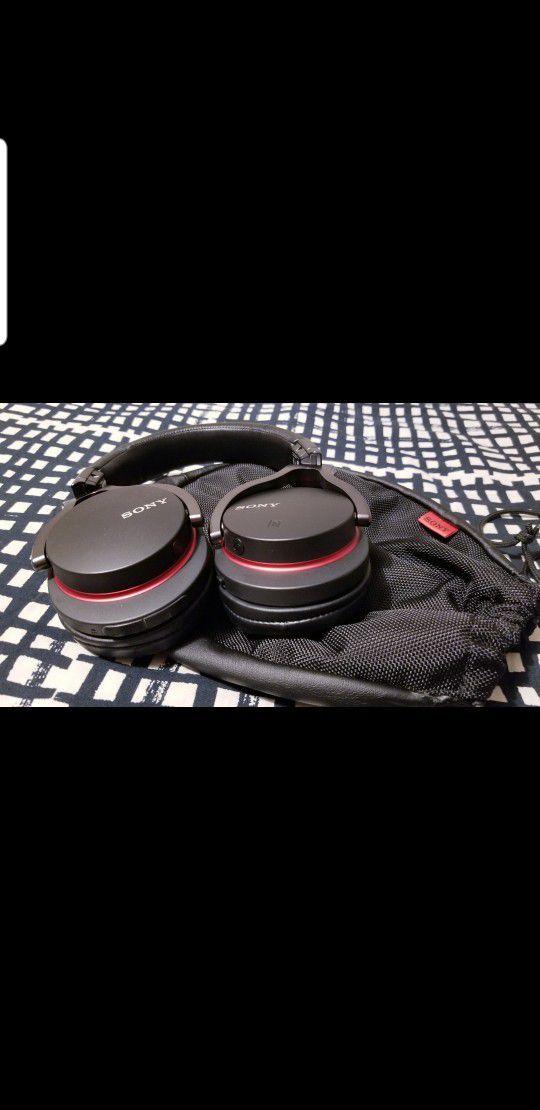 Bluetooth Headphones Sony MDR-1RBT