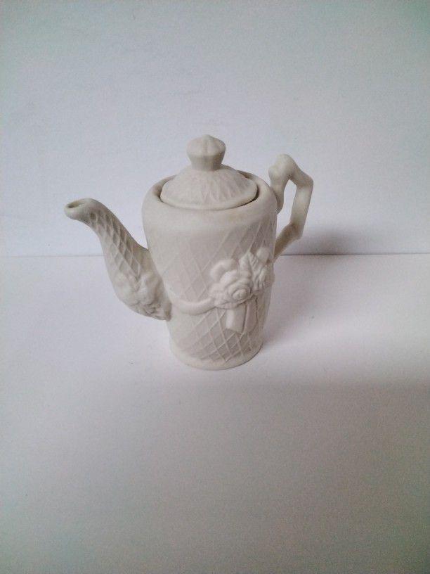 Very Cute Little Tea Pot .