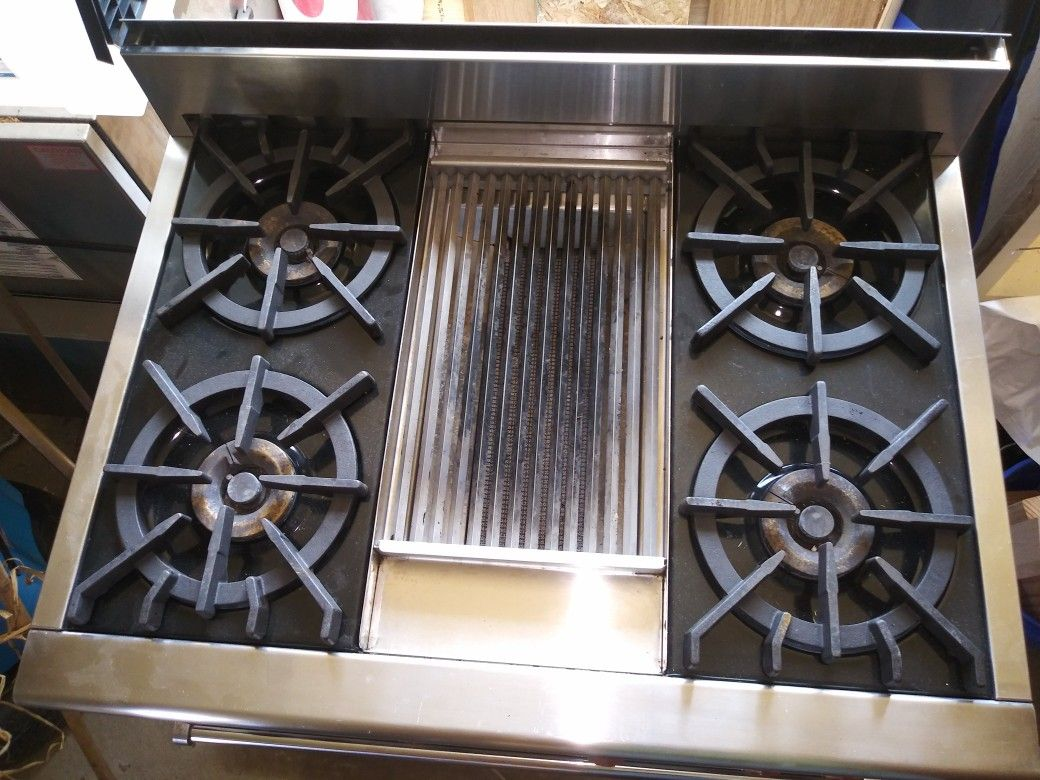 Wolf Gas Range/Convection Oven